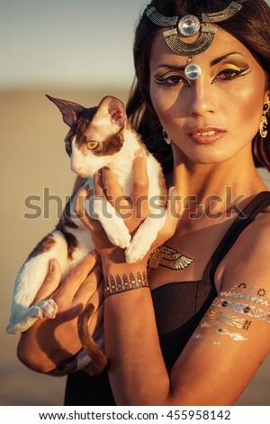 sexy naked egyptian women