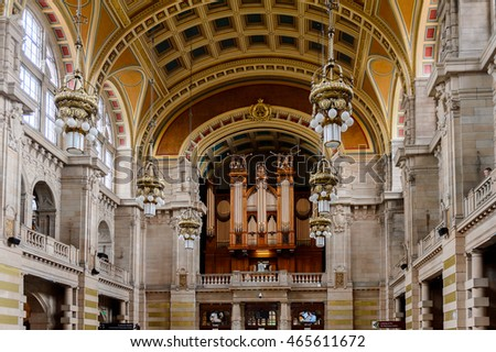 GLASGOW, SCOTLAND - JULY 16, 2016:  Central hall with the Pipe Organ of the Kelvingrove Art Gallery and Museum, Argyle Street, Glasgow. It's a popular attraction for the tourists