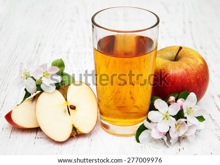 glass of apple juice - stock photo