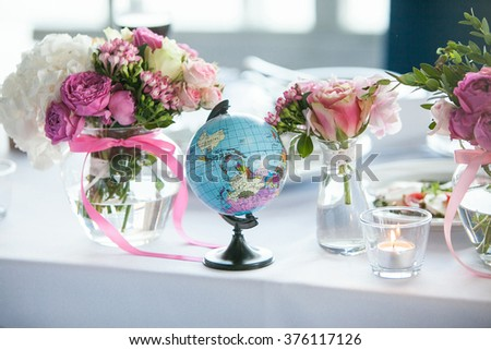Globe on the wedding table