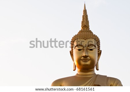gold Buddha is big in country Thai