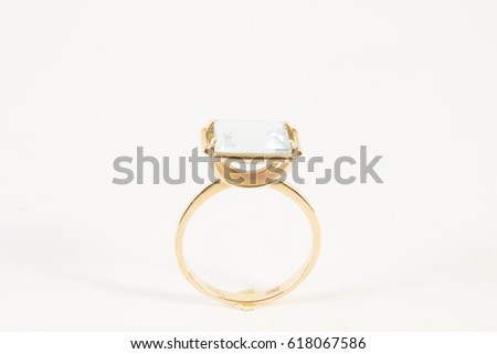 Gold ring with fianite
