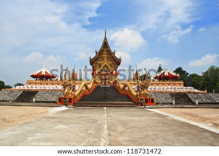 Gold temple in Thailand. It is very important to people./Gold temple.