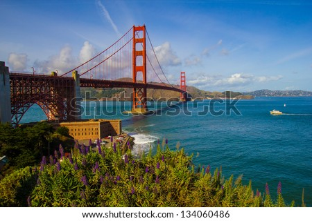 Golden Gate Bridge/Golden Days/Golden Gate Bridge on a beautiful day
