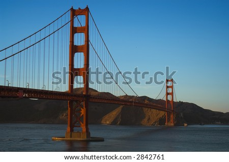 Goldengate Bridge viewed from Crissy Field, Presidio National Park, San Francisco Bay