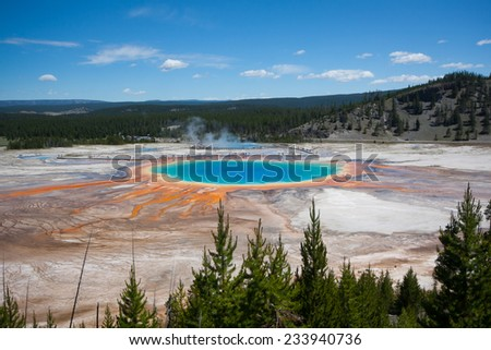 Grand Prismatic Spring in Yellowstone National Park, Wyoming, US