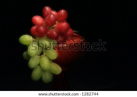 Grapes in A Bowl (Soft focus)