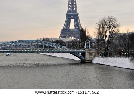 Grey Christmas day in Paris