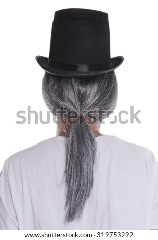 Grey wig and top hat from back;
