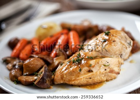 Grilled chicken breast with mushrooms and carrots