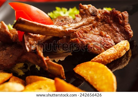 grilled ribs with potatoes