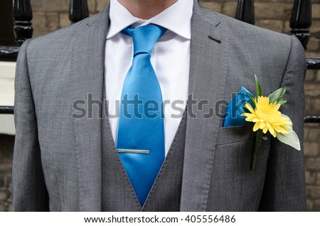 Groom suit and buttonhole