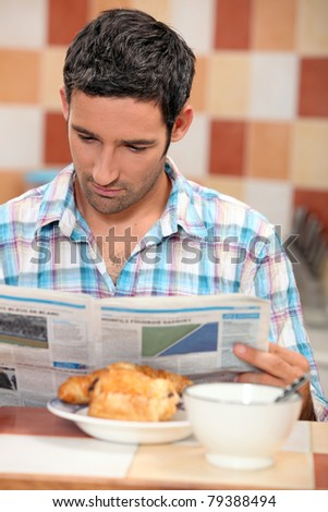 guy having breakfast