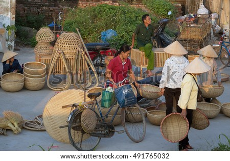 HAI DUONG, Vietnam, September 26, 2016 group of people, countryside Hai Duong, business and rural markets