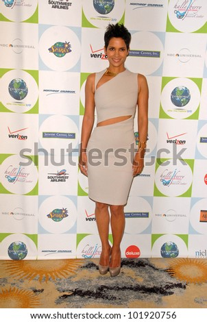 Halle Berry at the 2010 Jenesse Silver Rose Gala & Auction, Beverly Hills Hotel, Beverly Hills, CA. 04-18-10 - stock photo