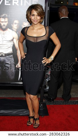 Halle Berry at the Los Angeles premiere of 'X-Men Origins: Wolverine' held at the Grauman's Chinese Theatre in Hollywood on April 28, 2009.  - stock photo