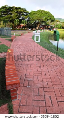 Hallway with the red bricks in the garden