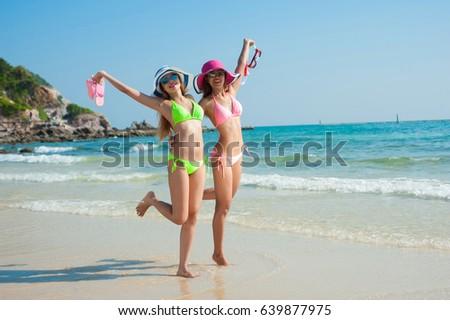 Bikini beach diving