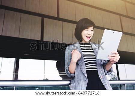 asian-posture-pictures-model-teen-girl
