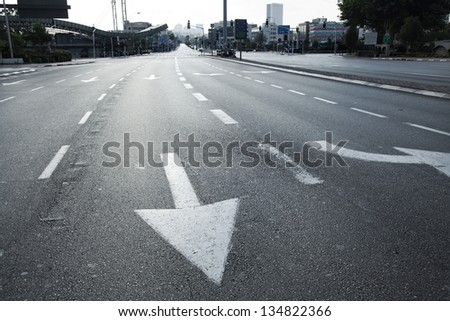 HaShalom intersection in Tel Aviv, in the hourse of the early morning. This intersection is usually one of the busiest ones in Israel; but this image was shot in the morning of Yom-Kippur. - stock photo