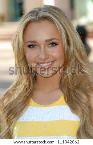 "Hayden Panettiere at An Evening with ""Heroes"" presented by the Academy of Television Arts and Sciences. Leonard H. Goldenson Theatre, North Hollywood, CA. 04-23-07"
