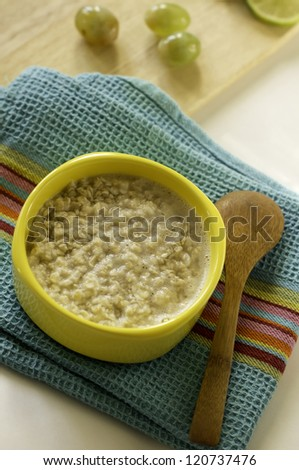 Healthy breakfast made of oats and grapes