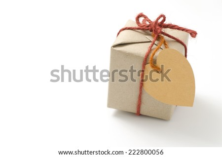 heart tag with single craft cardboard gift box on a white background