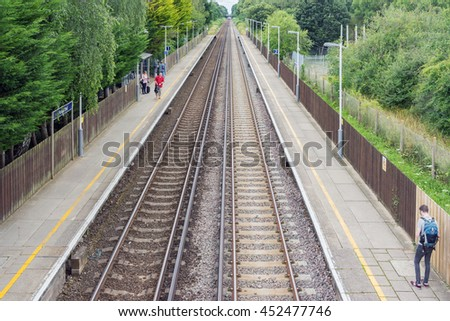 Hedge End/UK. 14th July 2016. The link line between Fareham and Eastleigh provides a useful London bound service for commuters in Hedge End and Botley near Southampton. - stock photo