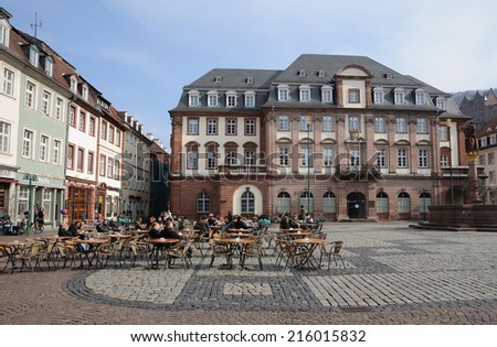 HEIDELBERG, GERMANY - MAR 1: Town square with side walk cafes in the old town of Heidelberg. March 1, 2009 in Heidelberg, Germany