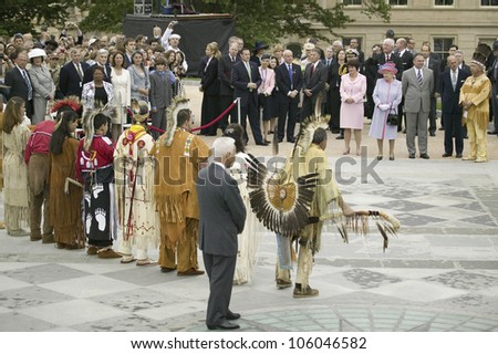 Her Majesty Queen Elizabeth II, Prince Philip, Virginia Governor Timothy M. Kaine, Anne Holton and former Governor L. Douglas Wilder observing Native American Indian Ceremony, Virginia, May 3, 2007 - stock photo