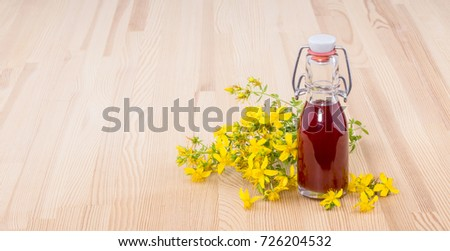 Herbal Oil with fresh, flowering St. John's wort / St. John's wort / Herbal Oil