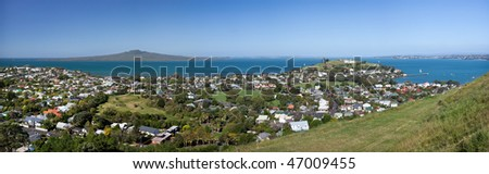 High Resolution Panorama of Auckland's Hauraki Gulf, with Rangitoto to North Head and then the Eastern Suburbs. Taken from Mount Victoria in Devonport - stock photo