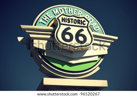 Historic Route 66 sign in the state of California, USA, Historisches Route 66 Schild im Bundesstaat Kalifornien, USA