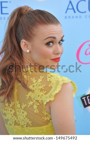 Holland Roden at the 2013 Teen Choice Awards at the Gibson Amphitheatre, Universal City, Hollywood. August 11, 2013  Los Angeles, CA