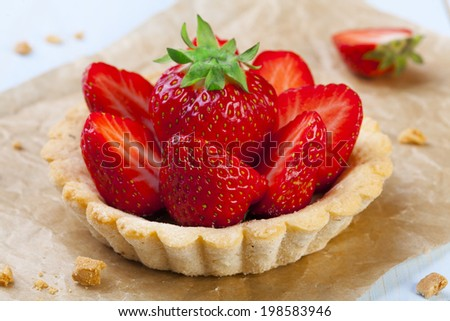 Home made tartlets with strawberries