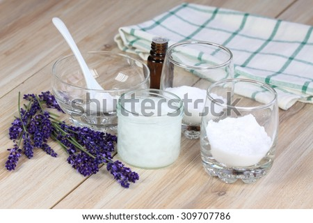 Homemade deodorant made from coconut oil, sodium bicarbonate, starch and lavender flavor