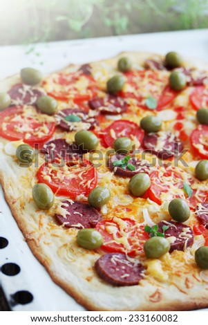 Pizza Cherry Tomatoes Ham Stock Photo 372352939 - Shutterstock
