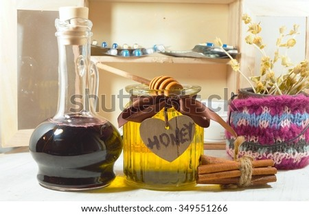 Honey, syrup and warming spices for the common cold - an alternative to antibiotics - selective focus