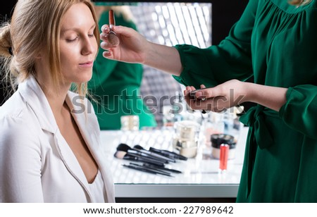 Horizontal view of a makeup before wedding