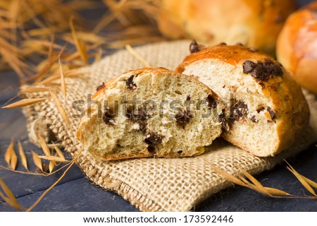 Hot Cross Buns with chocolate chips