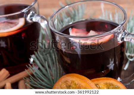 Hot red wine drinks, close up