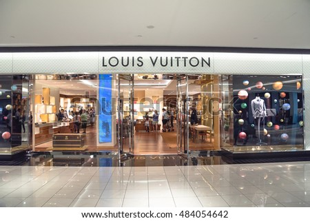 Lvmh stock images royalty free images vectors for Jewelry stores westheimer houston tx