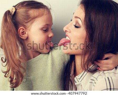 Mother and daughter lesbian pics