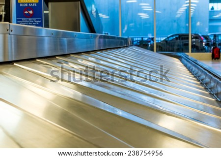 IAH, Houston Intercontinental Airport, Houston, TX, USA - luggage carousel at baggage claim