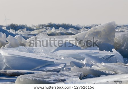 Ice shelves laying over each other.
