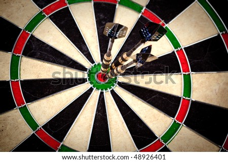 Ideal hit on bulls eye on same center