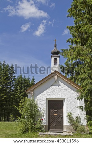 Idyllic small chapel in Ursprungs valley south of Bayrischzell