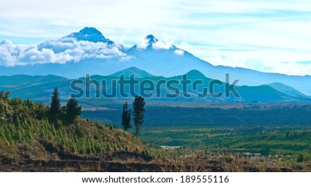 Ilinizas, Andes. Ecuador.  Ilinizas Nature Reserve. Los Ilinizas - these 2 volcanos: Iliniza Sur at 5263m and Iliniza Norte at 5126m - stock photo