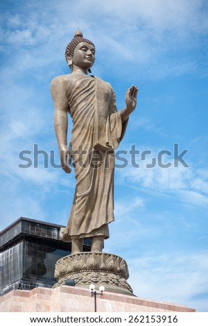 Image of Buddha and blue sky
