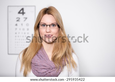 Image of lady with myopia wearing glasses